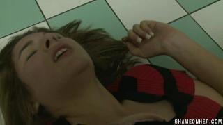 изнасилование пьяной в туалете