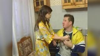 Русский инцест: пьяный отец и дочь